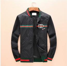 Chaquetas de diseñador para hombre con estampado de abejas Air Force  chaqueta piloto Harajuku hip hop chaqueta rompevientos de lujo 275fa18e50b
