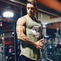 $enCountryForm.capitalKeyWord NZ - Summer Mens Gyms Tank Tops Bodybuilding Cotton Sleeveless Brand Fitness Muscle Male Fashion Leisure Vest Round Neck Vests Q190430