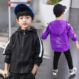Kids Jackets S Letter Canada - Children outerwear Teenager trench coats boys coats and jackets letter printed boys' hooded Windproof kids jacket windbreaker