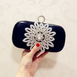 $enCountryForm.capitalKeyWord Australia - Elegant Ladies Mini Flower Crystal Evening Clutch Bag with Chain Shoulder Tote Bag Women's Handbags Purse Wallet for Wedding