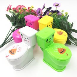 $enCountryForm.capitalKeyWord Australia - Novelty Spoof Gadgets Toys Mini Prank Squirt Spray Water Toilet Closestool Joke Gag Toy Gift For April Fool's Day