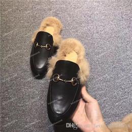 New Mules Princetown Uomo Donna Pantofole in pelliccia Mules Appartamenti Vera pelle Designer Fashion Catena di metallo Scarpe casual da donna Sneakers in Offerta