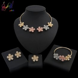 Wholesale Yulaili New Arrivals Fashion Tricolor Crystal Flower Necklace Earrings African Jewelry Sets For Bridesmaid Engagement Girl Party Gifts