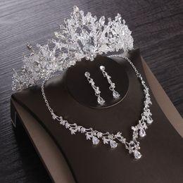 Luxe Hart Crystal Bridal Sieraden Sets Bruiloft Cubic Zirkoon Crown Tiaras Earring Choker Ketting Set Afrikaanse Kralen Sieraden Set