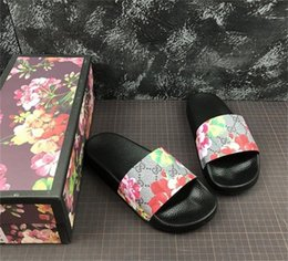 $enCountryForm.capitalKeyWord NZ - Mens Designer Shoes Rubber Slides Sandals Blooms Red Womens Shoes Beach Stripe Flip Flops Slippers Flower Box Duty Bag Big Size 13