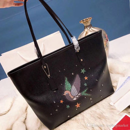 $enCountryForm.capitalKeyWord NZ - Famous brand women large-capacity handbags genuine leather casual totes lady shoulder bags high quality size: 30x27cm free shipping