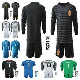 $enCountryForm.capitalKeyWord Australia - 2018 Spain World Cup kids Goalkeeper Jersey #1 DE GEA #1 CASILLAS # 25 REINA #13 ARRIZABALAGA Football uniforms Long Sleeve kids Goalie Set