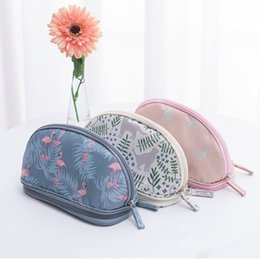 $enCountryForm.capitalKeyWord Australia - Woman Flamingo Cosmetic Bag 2019 Portable Waterproof Double Layer Travel Makeup Pouch Bags Organizer beauty Case Make Up Bag