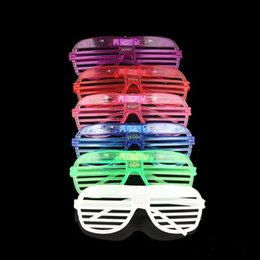 $enCountryForm.capitalKeyWord UK - LED Light Decor Glass Plastic Glow LED Glasses Light Up Toy Glass for Kids Party Celebration Neon SHow Christmas New Year decorations