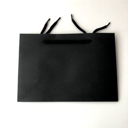 $enCountryForm.capitalKeyWord Australia - Wholesale High Quality Cheap Plain Black Paper Gift Bag Shopping Bag For Packaging Clothing With Handle