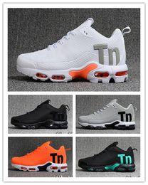 Tpu fooTball shoes online shopping - mens mercurial tn kpu running shoes air tn tpu designer shoes Black White Women sneakers trainers Casual Hiking Jogging Outdoor Sport Shoes