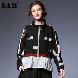 $enCountryForm.capitalKeyWord Australia - [EAM] 2019 Spring Woman New High Quality Hit Color Long Sleeve Stand Collar Zipper Pockets Pleated Loose Coat All Match LI377