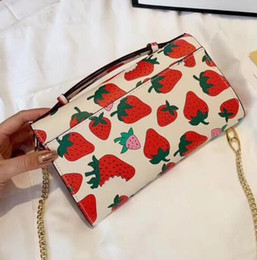 cartoon fruit strawberry Australia - High quality Messenger bag ladies shoulder bag luxury handbag strawberry print cute lady small bag