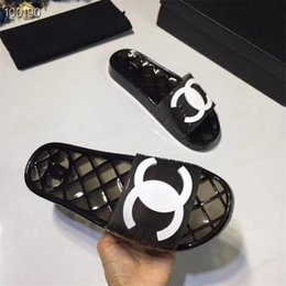 Tasarımcı Kadınlar Temizle Slaytlar Erkekler Şeffaf Terlik, PVC Sandalet Terlik Şeffaf Yeni Kristal Kadın Ayakkabı Sand Beach Slipper Soğuk 20ss
