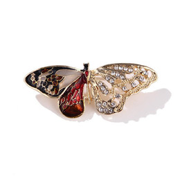 wholesale african clothing women UK - Half Of Sth. Oil Dripping Butterfly Rhinestone Alloy Insect Brooch Brooch Clothing Accessories Woman