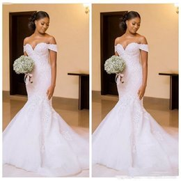White red beach Wedding dresses online shopping - African Mermaid Wedding Dresses Bridal Gowns Off the Shoulder with Lace Appliques Beautiful sexy sweep train bridal gowns Ladies Vestidos