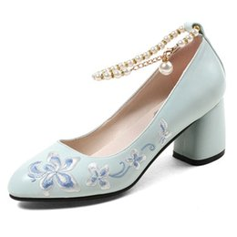 Scarpe da donna artigianali ricamate blu con cinturini di perle alla caviglia Tacco grosso 6 cm Punta tonda Bridemaids Team Scarpe taglia 34-40