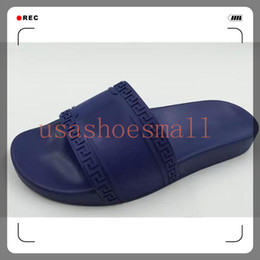 Wholesale Hot brand Men Beach Slide Sandals Medusa Scuffs Slippers Mens Beach Fashion slip on designer sandals outdoor and indoor Classic Versaces