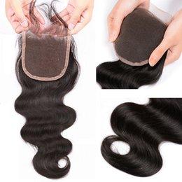 Toptan satış 10A 100% Remy İnsan Saç Brezilyalı Vücut Dalga İnsan Saç Ile 4x4 Dantel Kapatma Ücretsiz Orta KapatmaDoğal Renk 8-20 inç