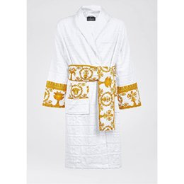 Wholesale Le Vase Home Hotel Baroque with Jacquard Medusa Bathrobes Luxury Printing Logo Designer Night Robes 100% Cotton Bath Robes Supplies