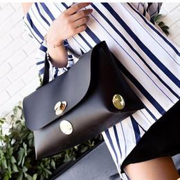 $enCountryForm.capitalKeyWord NZ - High Quality Simple Large Capacity Handbag Ladies Large Tote Street Metal Round Buckle Portable Generous Package