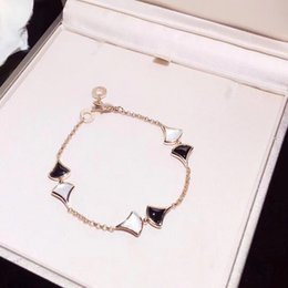 $enCountryForm.capitalKeyWord NZ - 2019 Newgari rose gold divains fan-shaped skirt bracelet small fan double chain black agate white classic fashion