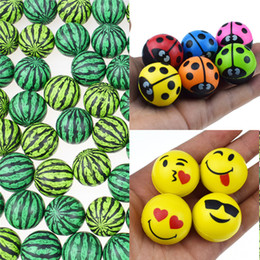 Multicolor 30mm diametro palle gonfiabili carino coccinella anguria Emoji modello gomma palla che rimbalza giocattoli per bambini capsula puntelli promozione delle vendite