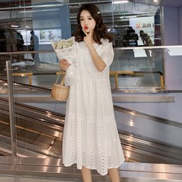 $enCountryForm.capitalKeyWord Australia - Summer Cotton White Pregnant Women Two-piece Dress Short Sleeve V-neck Hollow Out Lace Knee-length Maternity Dress With Lining