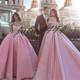 fa7f1f0a5c6 Blush Pink Vintage Ball Gown Quinceanera Dresses Off Shoulder Sleeveless  Beads Sequined Vestidos De 15 Anos Sweet 16 Prom Gowns