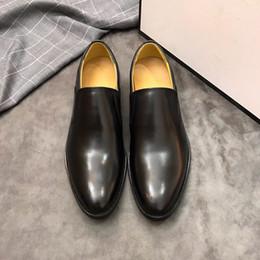 $enCountryForm.capitalKeyWord Canada - Mens designer Leather men leisure dress shoe part gift doug shoes Metal Buckle Slip-on Famous brand man lazy falts Loafers Zapatos Hombre