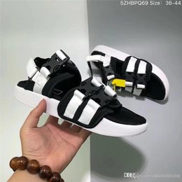 plastic slippers sandals Australia - women designer sandals luxury fashion brand file mens slippers summer beach sandals plastic buckle black white blue jogging lovers shoes new