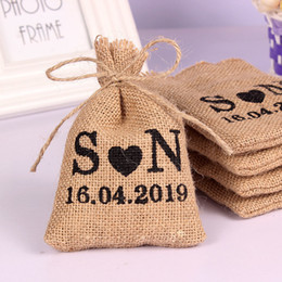 gifts for guests NZ - 50PCS 10*14Cm Burlap Hessian Drawstring Bag Custom Name Bags Gifts Packaging Pouchs Small Wedding Gifts for Guests SH190920