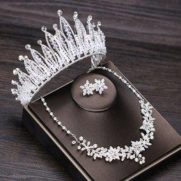 Luxuoso Rhinestone Casamento Coroa Tiara Pérola Declaração Colar Brincos Conjuntos de Jóias de Noiva Casamento Contas Africanas Conjunto de Jóias em Promoção