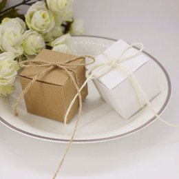 $enCountryForm.capitalKeyWord NZ - 100 X New Brown   White Square Style Kraft Paper Wedding Favors Candy Boxes Bomboniera Party Gift Box With Hemp Rope Linen T190709