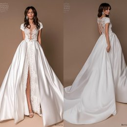 Discount short beach wedding dresses detachable train - Betta La Betta 2019 Wedding Dresses With Detachable Train Satin Lace Appliques Cap Sleeve Split Bridal Gowns Beach robe