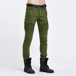 $enCountryForm.capitalKeyWord UK - Biker Jeans Punk Style Cargo Pocket Jeans Skinny Men Famous Brand Mens Designer Clothes Zipper Denim Pants Army Green