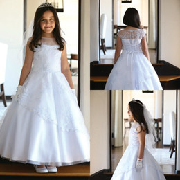 $enCountryForm.capitalKeyWord Australia - Cute White first holy communion dresses Scoop Cap Sleeves Lace Crystal Flower Girls Pageant Dresses Modern Arabic Kids Inexpensive Gown 2018