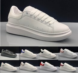 $enCountryForm.capitalKeyWord NZ - 2019 Top Alexander 3M reflective white black leather outdoor shoe for girl women pink gold red fashion comfortable flat sneakers 35-43 n365