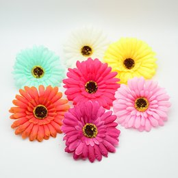 $enCountryForm.capitalKeyWord UK - 10cm Silk Gerbera Plastic For Christmas Home Decor Accessories Fake Stamen A Cap Diy Gift Wreath Cheap Artificial Flower C19041701