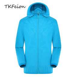 wholesale summer jackets UK - 2020 New Arrived Men Summer Jacket Sunscreen Coat Clothes Sun Protection Clothing Male Anti-UV Hooded Coats Jackets High Street