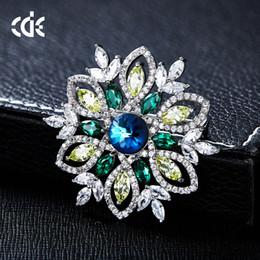 $enCountryForm.capitalKeyWord Australia - Wedding Party beaded pearl gift woman lady diamond jewelry Brooches for bride acting initiation graduation CDE-1464
