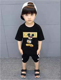 edde3d94df 2019 Novo Designer Marca 2-9 Anos de Idade Do Bebê Meninos Meninas  Camisetas Verão Camisa Tops Crianças Tees Crianças camisas de Roupas