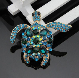 $enCountryForm.capitalKeyWord Australia - Gold Plated Crystal Turtle Brooches Funny Full Rhinestone Animal Turtle Brooch Pins Christmas Gift Fashion Party Jewelry Costume Breastpin