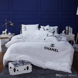 $enCountryForm.capitalKeyWord Australia - DHL free Black White New All Cotton Bedding Suit Fashion Spring And Summer 4PCS Bed Cover Suit Man And Women Embroidery Bedding
