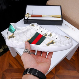 Hand Safety Cartoon Australia - Best New Designer shoes ACE Luxury embroidered white tiger bee snake shoes Genuine Leather Designer Sneaker Mens Women Casual Shoes size