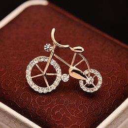 1 PCS Elegância Ouro Strass Bicicleta Forma Das Mulheres Dos Homens Unisex Twinkle Broche Pin Jóias venda por atacado