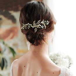 Simple handmade hair acceSSorieS online shopping - 2019 Wedding Bridal Hair Accessories Pearl Hair Clip Alloy Leaves Handmade Simple Hair Comb Jewelry for Women