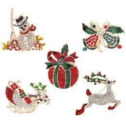 Snowmen broocheS online shopping - Enamel Snowman Carriage Brooch Pin Christmas Gifts Jingle Bell Brooches Charm Rhinestone Jewelry Gold Color Party Accessories