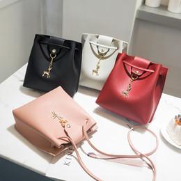 $enCountryForm.capitalKeyWord NZ - Cheap Fashion New Trend Messenger Bag Waterproof Shoulder Bag Travel Crossbody Bag Female Phone Coin Handbags Women Bags Designer