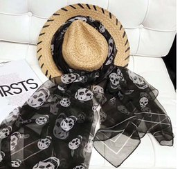 Vente en gros Hot Brand foulard en soie Pashmina pour les femmes 2019 Printemps Italie Marque Full Double squelette noir Longues Écharpes Wrap Avec Étiquette 185x130cm Châles